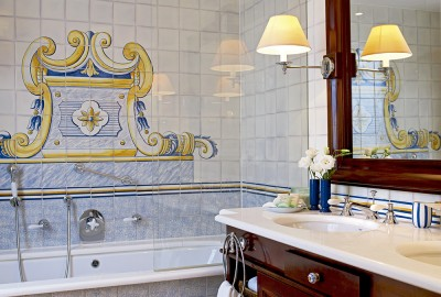 Bathroom of the Master Suite in Seaside Grand Hotel Residencia